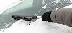 5 Safe Alternatives to Using an Ice Scraper on Your Windshield