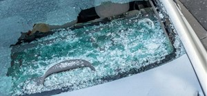 Can Auto Glass Spontaneously Shatter? 5 Things You Need to Know