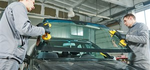 How to Reduce Road Noise With Auto Glass Repair