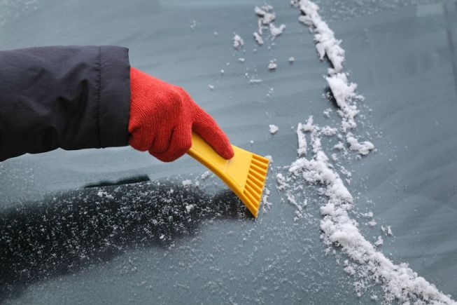 Winter Auto Glass Care: 3 Tips to Maintain a Damage-Free Windshield
