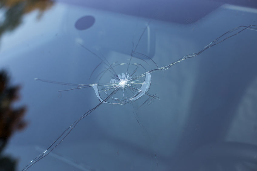 Is it Illegal to Drive a Vehicle with a Cracked Windshield in Minnesota?