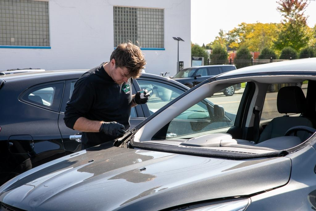 Top 3 Causes of Auto Glass Damage & How to Avoid Them