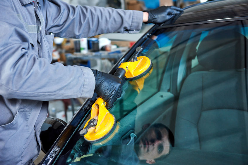 Enjoy Convenient Auto Glass Repair or Replacement