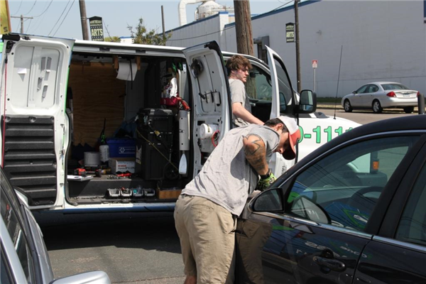 Are You Stranded? We offer Mobile Windshield Repair