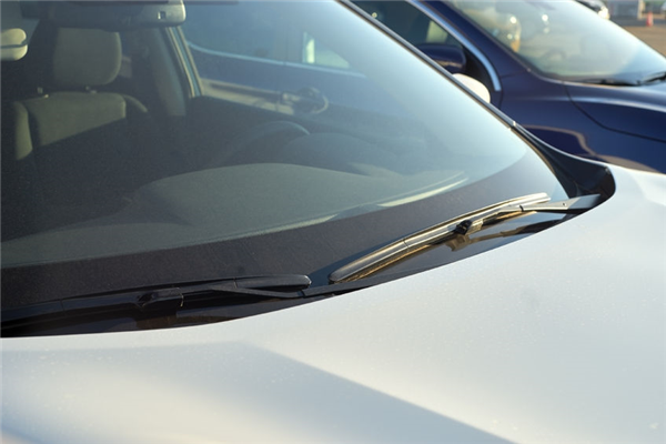 Replace your Wipers and 5 other Important Winter Windshield Maintenance Tips