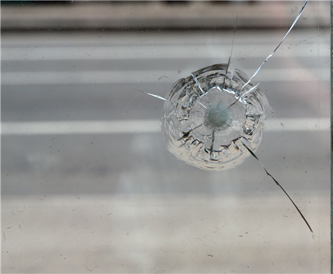 When Does a Rock Chip Require a Windshield Replacement?