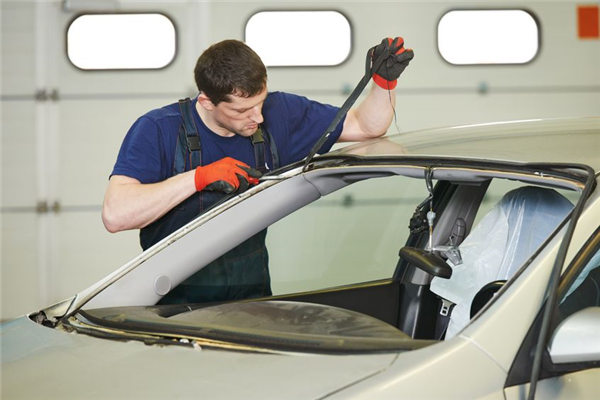 Fact or Fiction? Common Myths About Windshield and Window Glass Safety