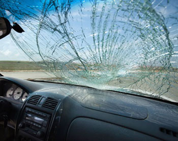 4 Important Steps To Take When You Need Emergency Windshield Repair